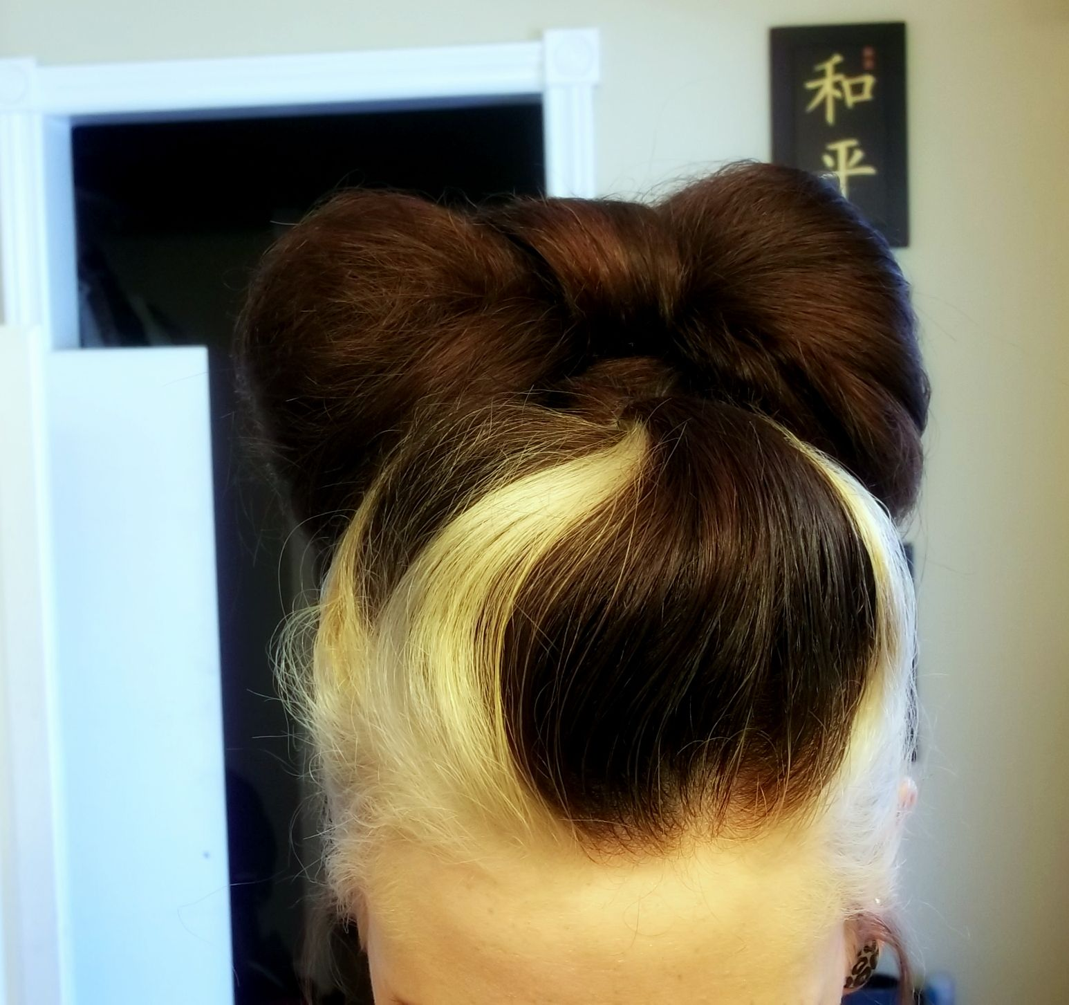 Two toned hair bow needs to be toned to get yellow out (With