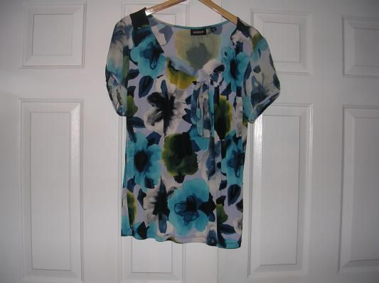 Women: New Plus Size 18/20 Blouse With Multi-Colors By Avenue Stretch (FREE SHIPPING)-$7.50