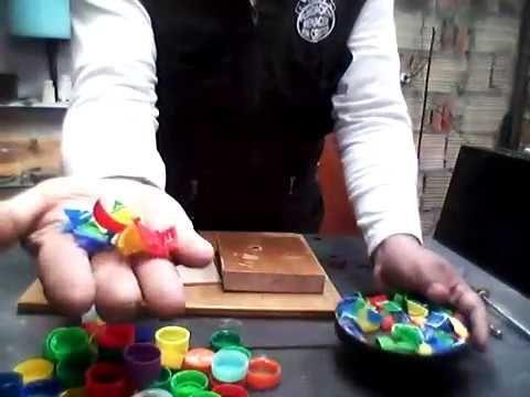 cómo fundir tapas de botellas plásticas 3 maquinita para cortar las tapas -  YouTube 4def3f33bf8c