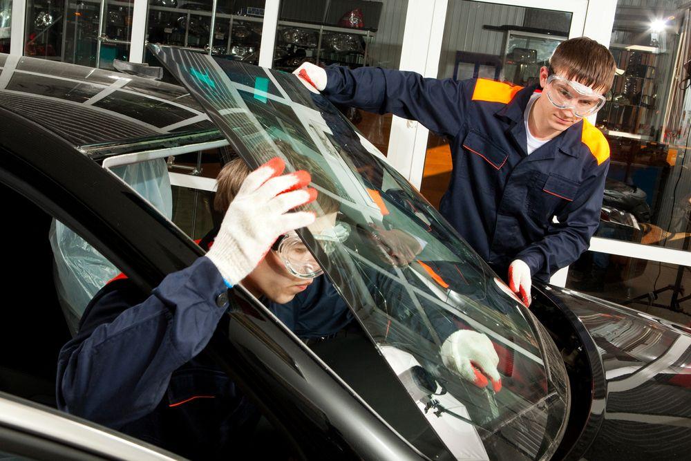 Affordable Mobile Car Windshield Repair Services Alpharetta Auto Glass In 2020 Windshield Repair Auto Glass Repair Car Windshield Repair