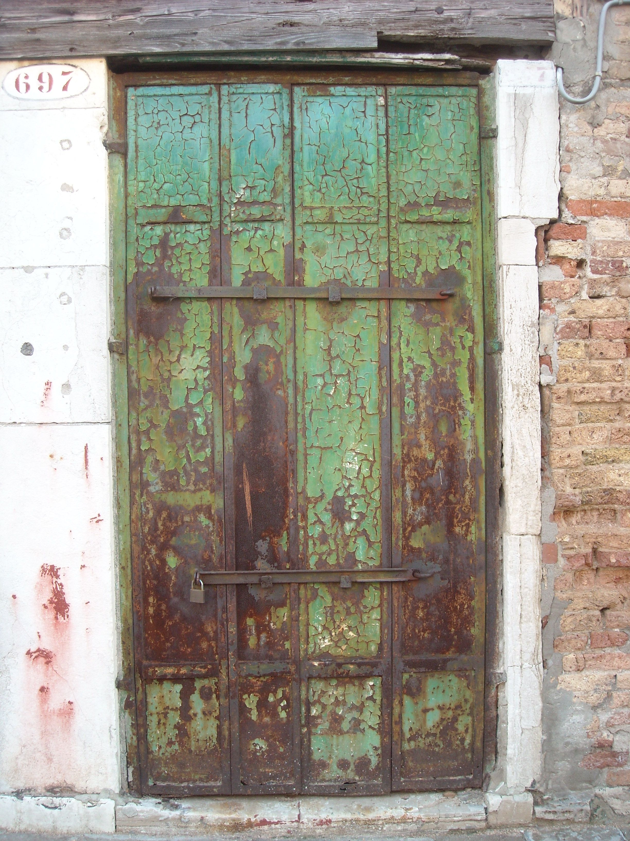 Metal door -Guidecca Venice. Photo Carol Blackburn & Metal door -Guidecca Venice. Photo Carol Blackburn | Doors ...
