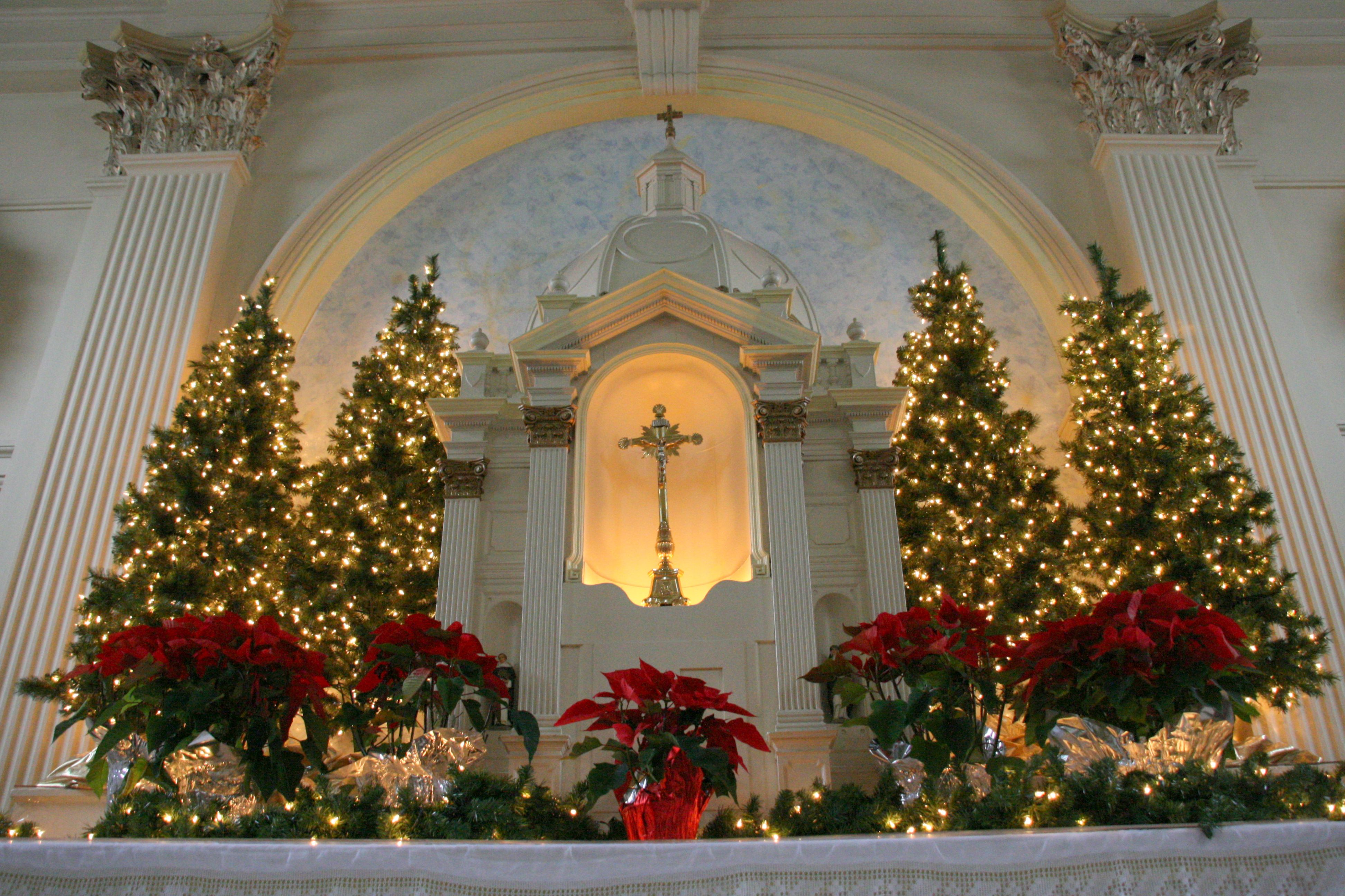 St dominic 39 s catholic church at christmas benicia ca for Decor st