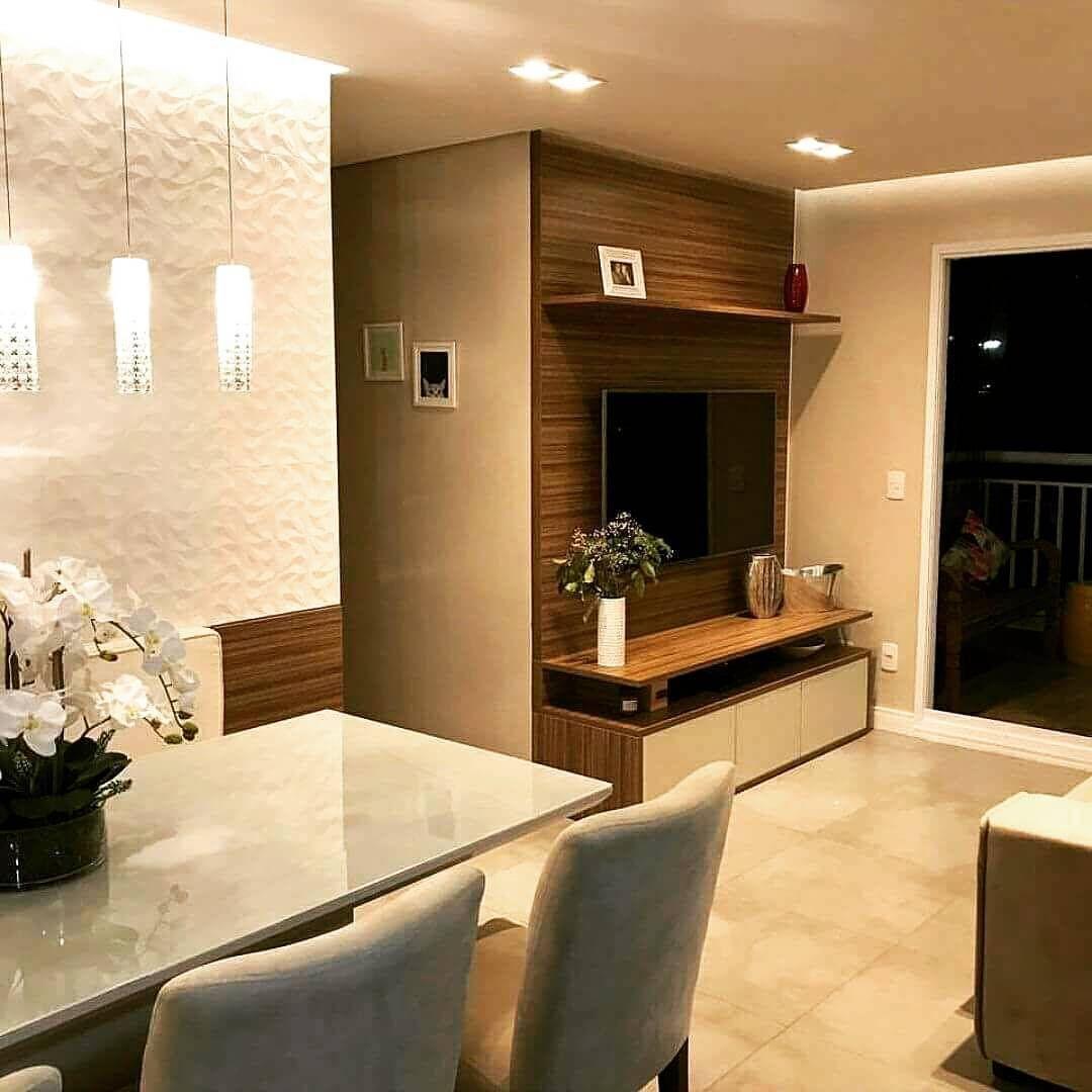 Sala Pequena Decorada Com Painel De Madeira Arquitetura  -> Acabamento Sala Pequena