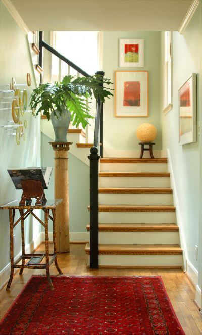 I Love This Mix Of Oak Stair Treads With Black Banisters And White Baers For The Home Pinterest Benjamin Moore Teas Banister