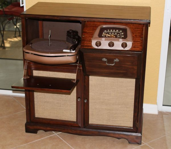 Restoring Antique 1949 Admiral Record Player Antique Record Player Antique Side Table Furniture Restoration