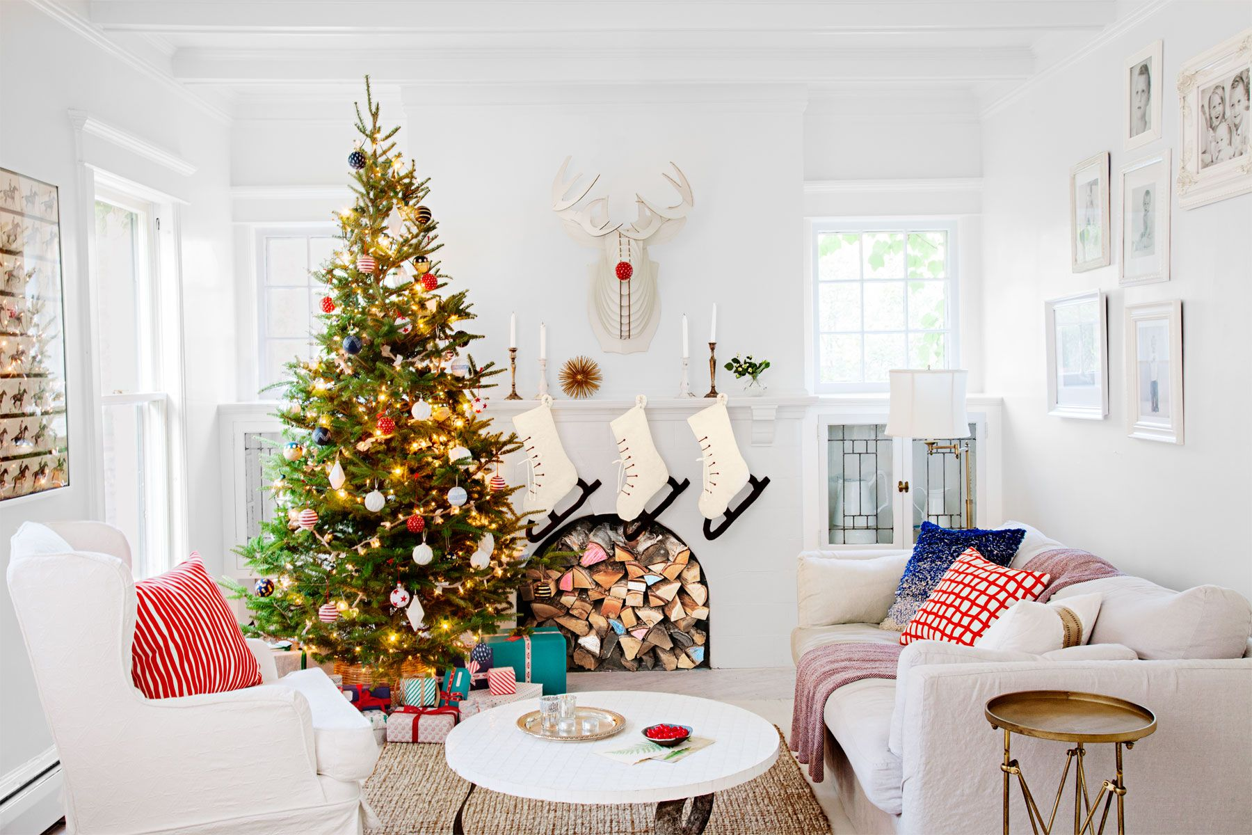 38 Country Ways to Add Christmas Cheer to Your Mantel   Christmas ...