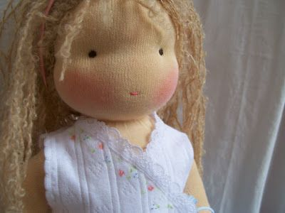 Poppenatelier Ineke Gray; doll hair