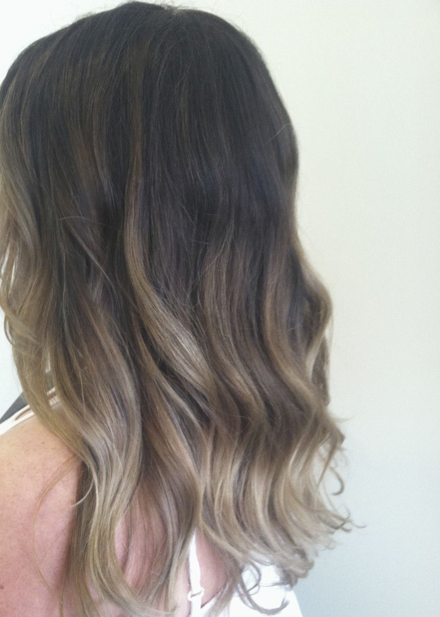 ombre. layers. wavy