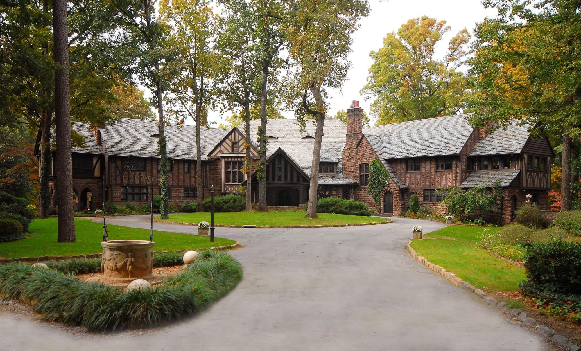 Abernathy House salvatore boarding house | boarding house, mystic falls and stefan