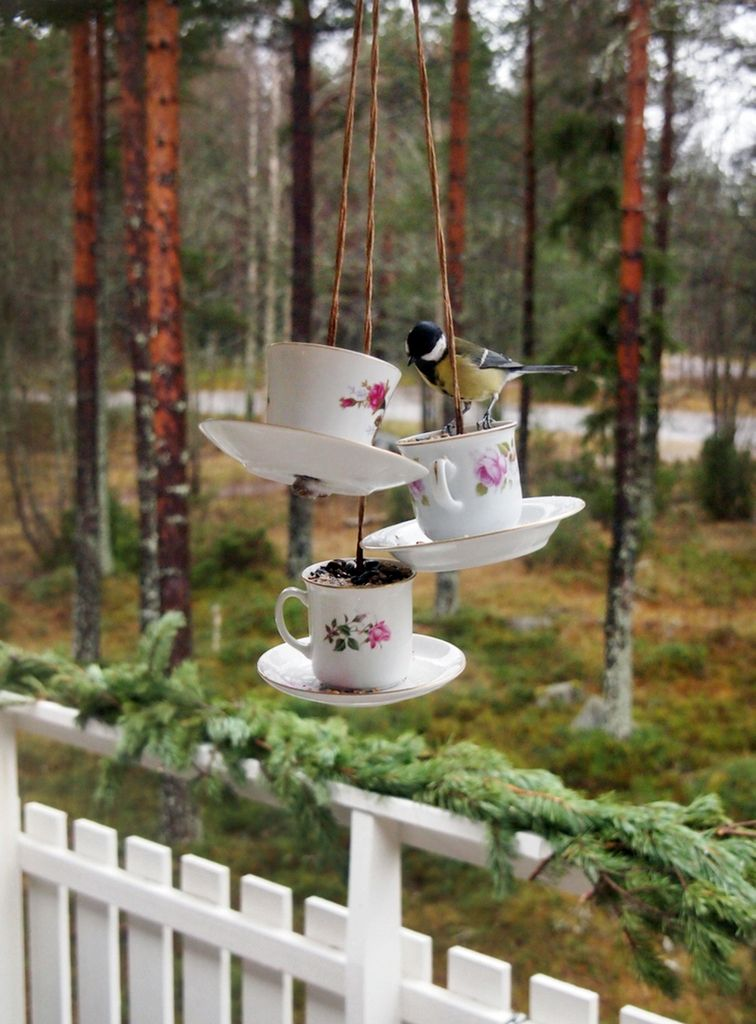 Lovely way to reuse odd cups!