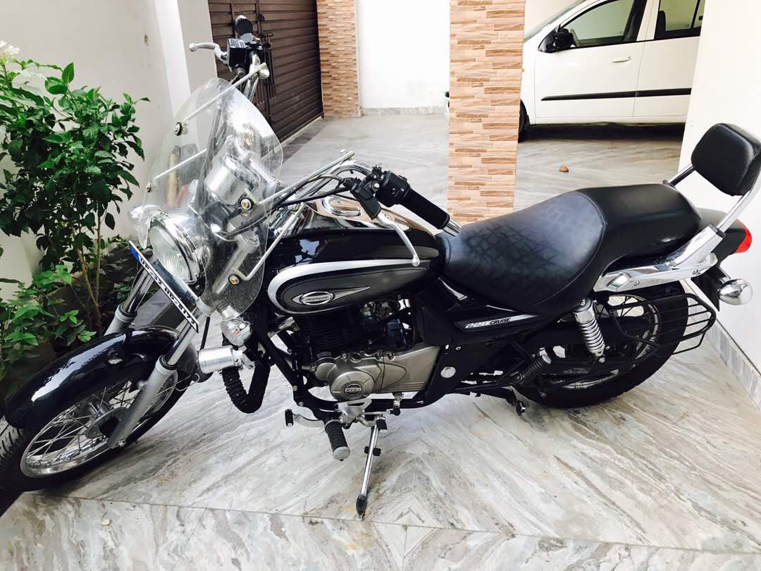Check this bike bajaj avenger cruiser bike 2016my 220 cc
