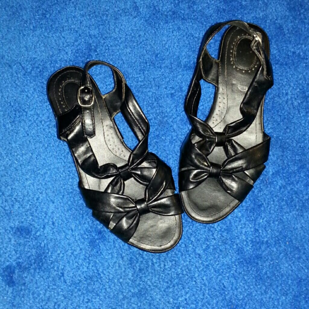 White Stag Sandals With Heel