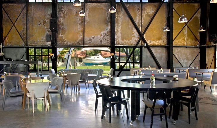 Rustic Grungy Vintage Industrial Cafe Interior Design