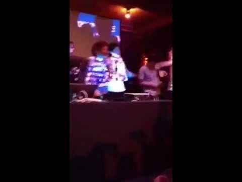 """Karaoke """"angel"""" -  verry drunk :-)  MSG Aftershow Party / vamos chicos destruyan la canción de mi Robbie! Go Hazza!"""