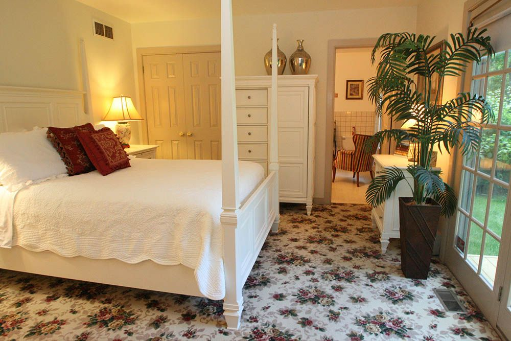 Pineapple Hill Inn New Hope, PA Bed & Breakfast » Our