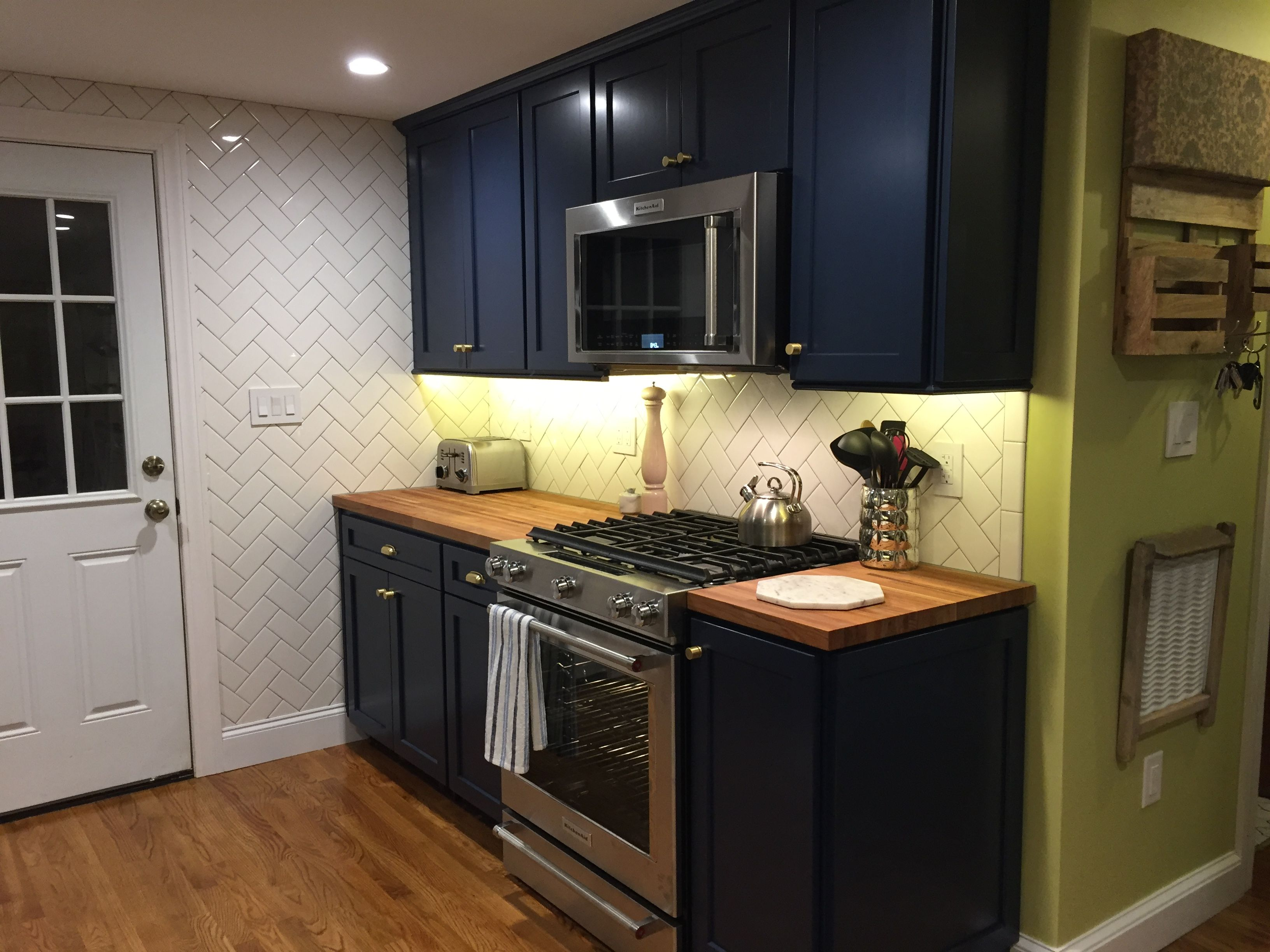 Beautiful Blue Cabinets for your kitchen Picture