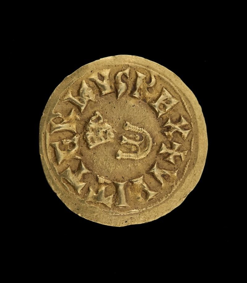 """Coin minted in Toledo by King Suintila (621- 631), according to the inscription """"+SVINTHILA REX. Gold. 