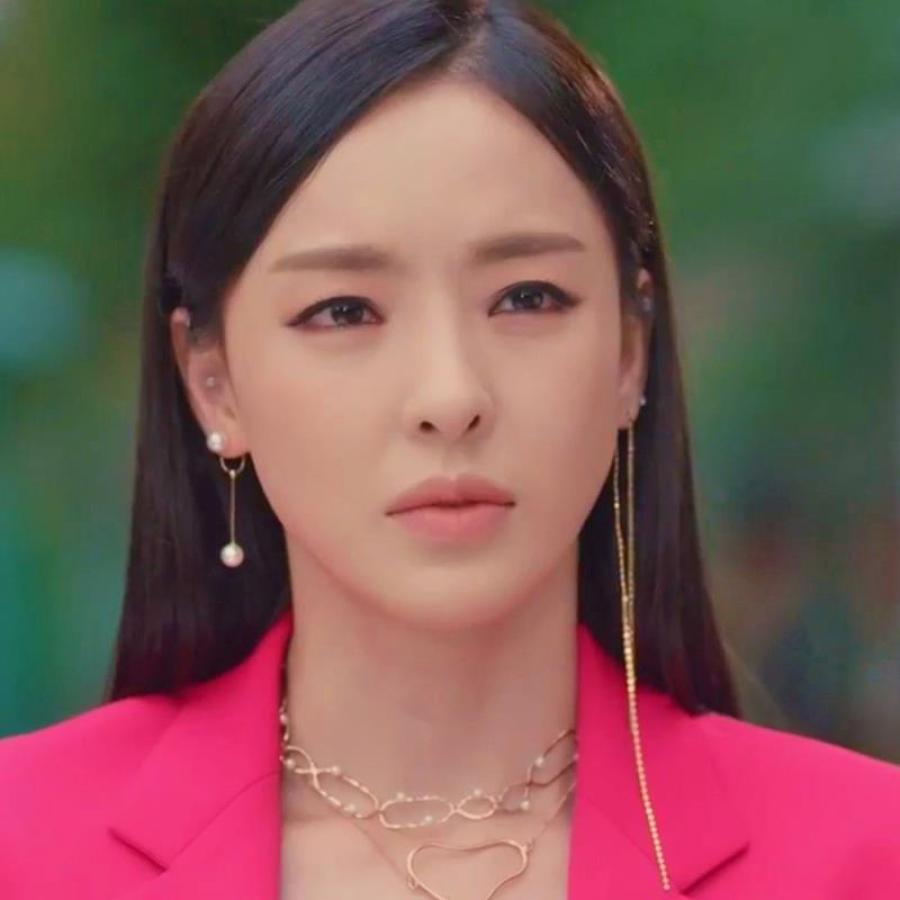 Beauty Drama Korea: Beauty Inside Lee Da Hee Inspired Earrings 006 In 2019