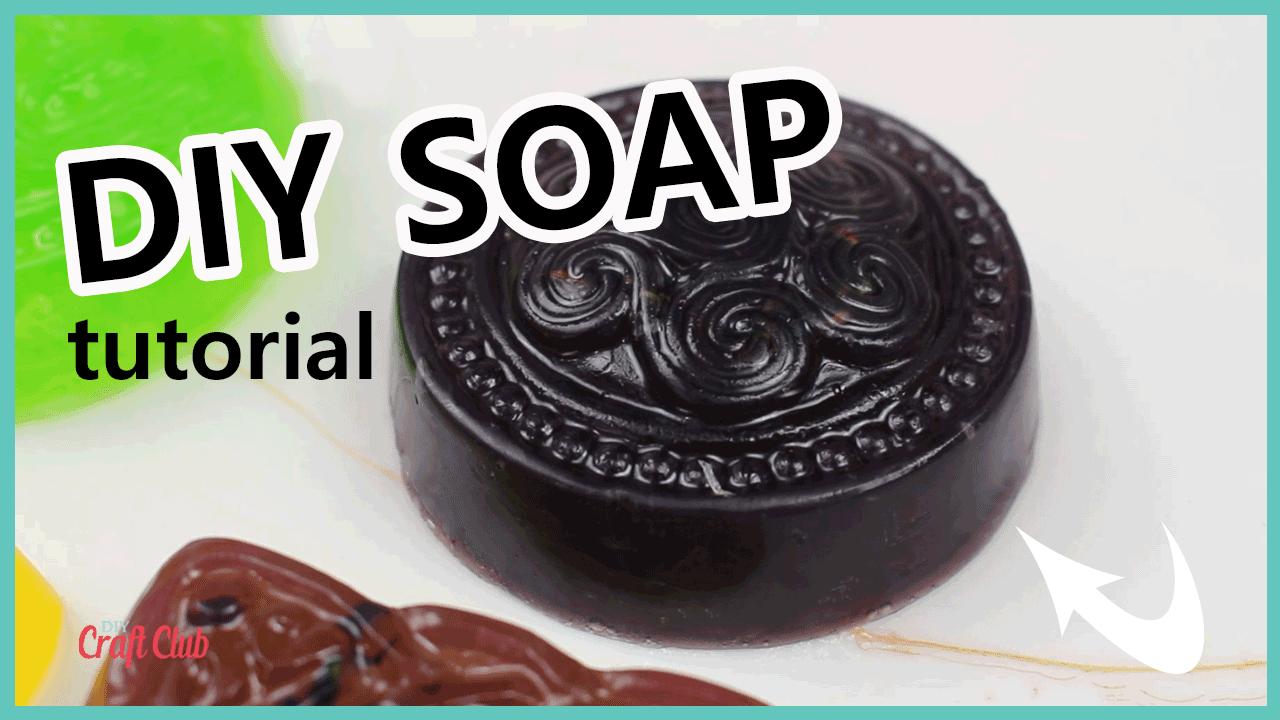 Easy diy melt and pour soap. Make and Grow soap kit review. Lavender soap recipe with a hemp melt and pour soap base.  #soap #handmadesoap #diysoap #meltandpoursoap #productreview