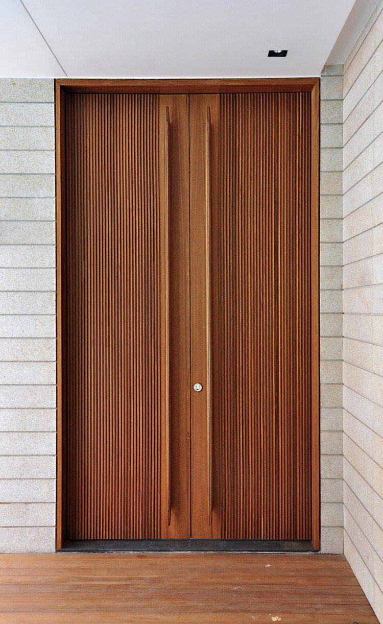 Porte d\'entrée moderne pour habiller la grande hauteur sous ...