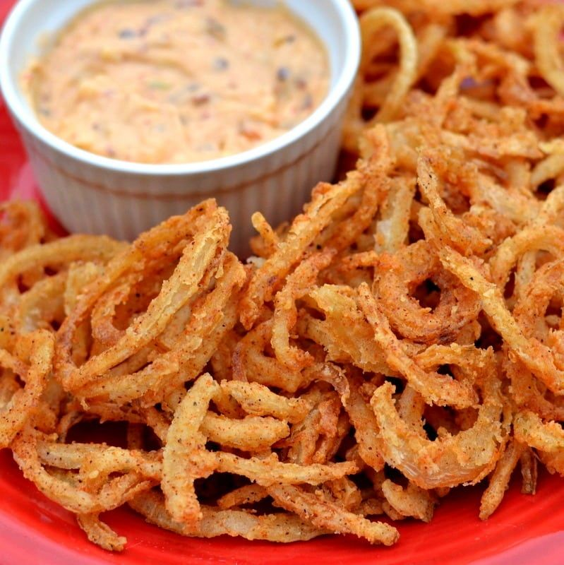 Onion Straws with Chipotle Pepper Aioli | Small Town Woman