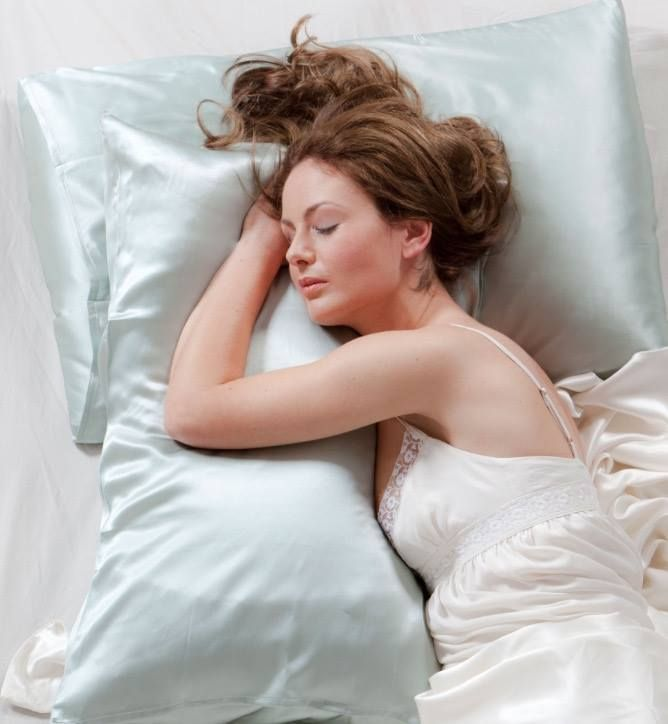 Ginny Here Have You Heard The Benefits Of Using A Satin Pillowcase Instead Of Regular Cotton Unlike Cotton Sati Prevent Wrinkles Hair Frizz Wrinkle Remedies