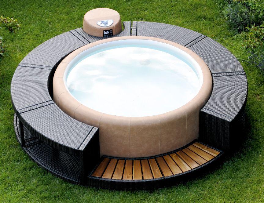 Softub Resort Im keller, Ledersofa, Whirlpool