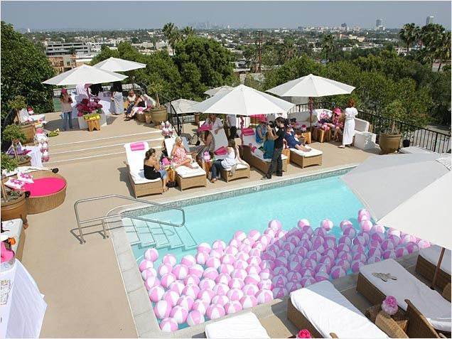 Love The Beach Balls In The Pool Party Ideas Table Setting