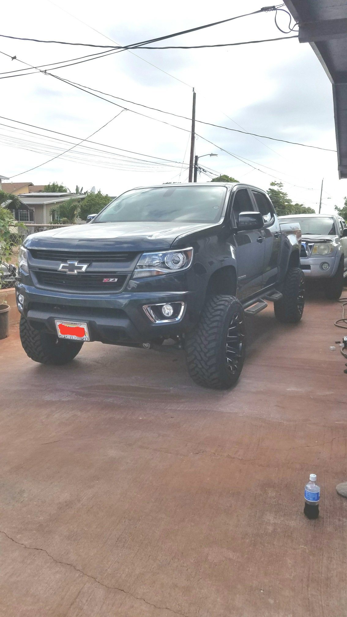 Lifted 2017 Chevy Colorado 6in Rough Country 20x12 Fuel Battle Axe