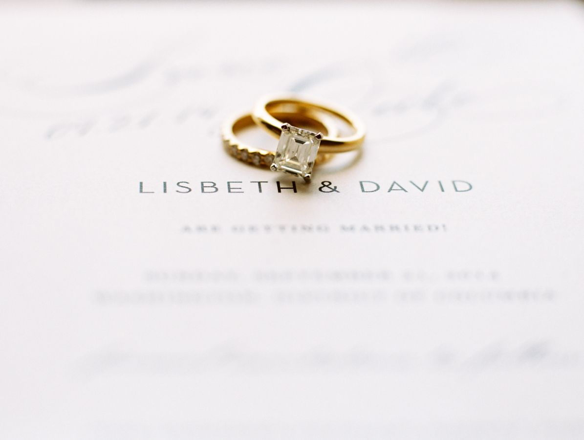 Real Wedding: Lisbeth and David   Gold wedding, Shine wedding ...