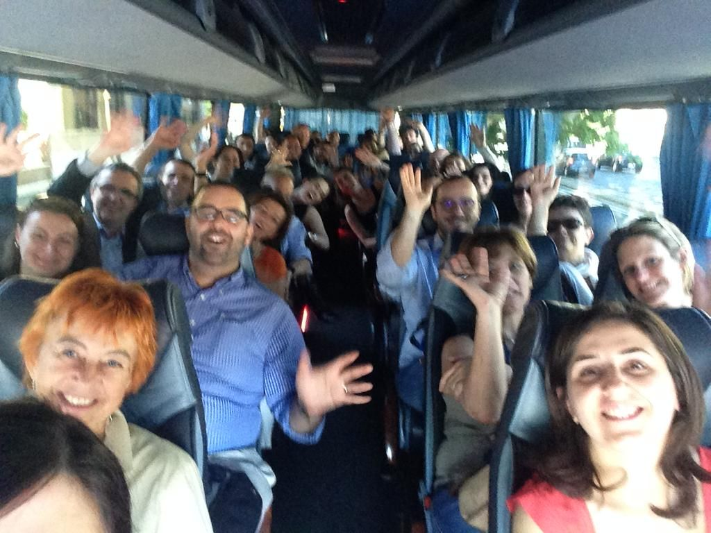 Wrapped up #ebntechcamp with a smile on the #ebnschoolbus @Stroumfina  @gdichter  @ChiaraDavalli @cssilvaa
