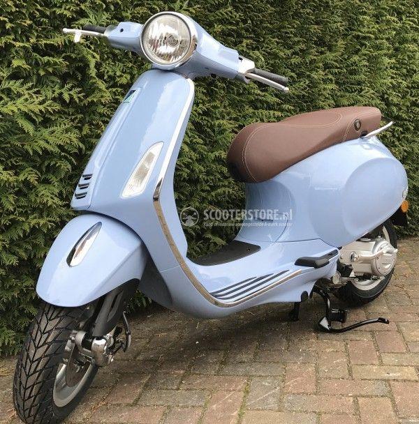 Vespa Primavera Azzurro Pastello Blauw Scooter Deze 2017