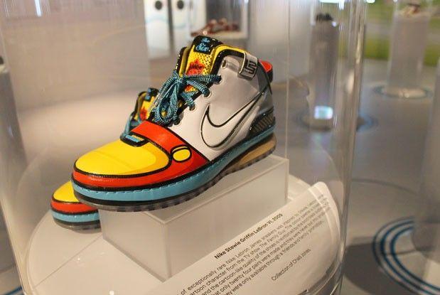 centesimo Problema Midollo osseo  stewie griffin jordans Shop Clothing & Shoes Online