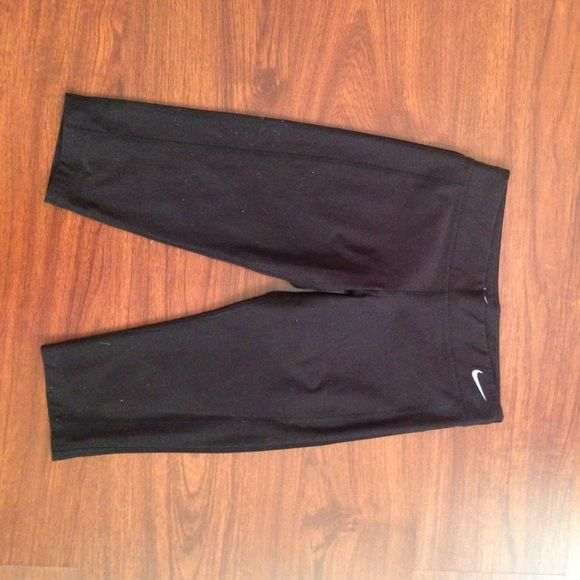 Kid dri-fit. Fits adult xs Used in good condition for kids. Fits an adult XS Nike Other