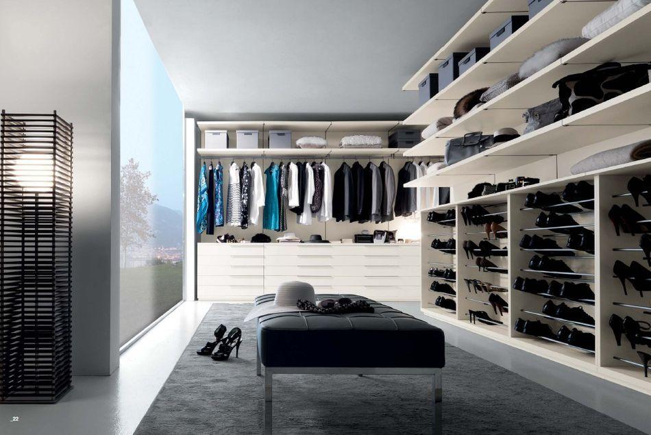Kompletní vybavení pro samostatnou šatní místnost v moderním italském balení od společnosti Fimes: http://www.saloncardinal.com/fimes-304