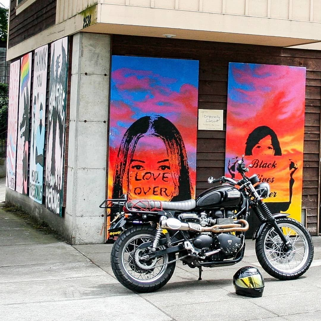 Out and about in #portland today. This is how you board up a store @soulfirebodypiercingnw  @notsikk  #blacklivesmatter #nojusticenopeace #equality . . . #triumphscrambler #triumphnation #fortheride #modernclassic #classic #motorcycle #throttlesociety #foryourridingpleasureonly #motorbike #scrambler #bonneville #caferacer #tracker #aircooled #braap #bikelife #adv #pdx #pnw #xladv #advrider #adventurevisuals #scramblersofinstagram #caferacersofinstagram #pnwonderland #upperleftusa