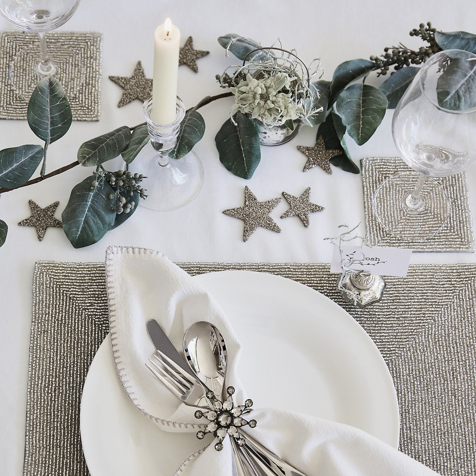 Star Table Scatters Set Of 20 Room Decorations The White Company The White Company Christmas Table Settings Christmas Table