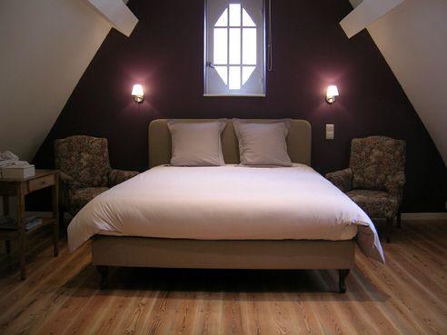 Chambre couleur prune | idées déco | Chambre couleur taupe, Chambre ...