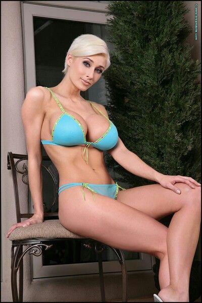 Beautiful sexy nude asian girls ass