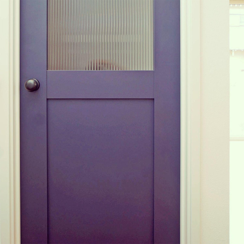 太陽住宅のフォトギャラリー ブルーのドア ドア 床