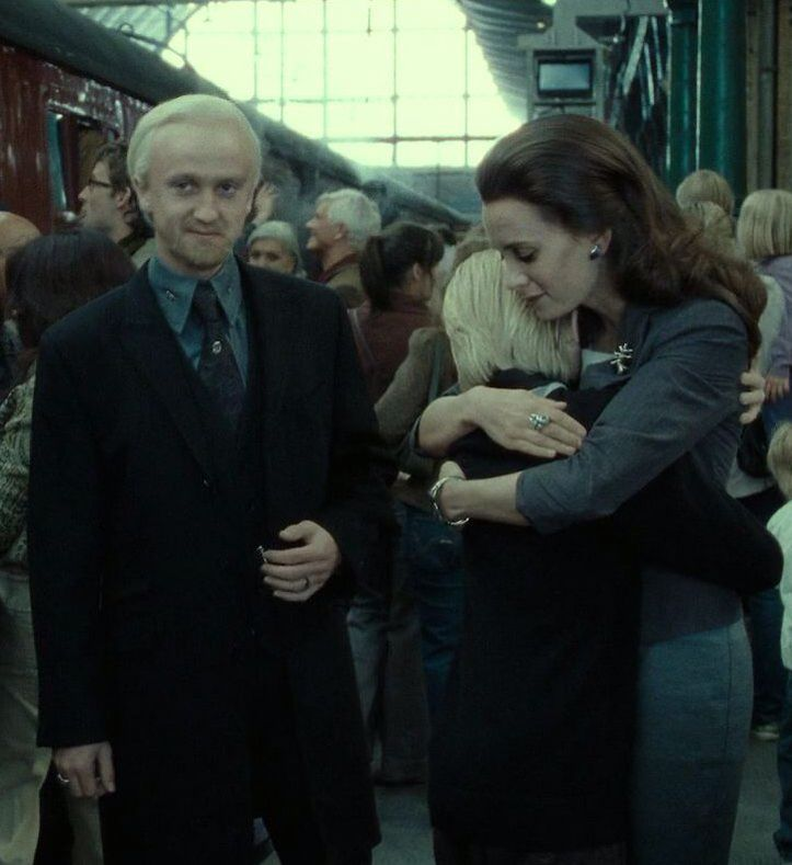 Draco Malfoy Married Astoria Greengrass And Had 1 Child Scorpius Malfoy Harry Potter World Draco Malfoy Harry Potter Fandom