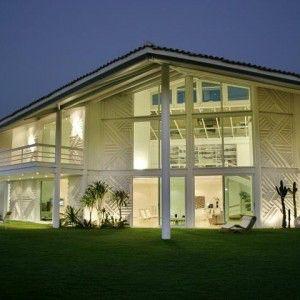 Imagem de http://www.anualdesign.com.br/images/anualdesign-gerson-castelo-branco-fachada-residenciais-paisagismo-e-varandas-med_15156755.jpg.