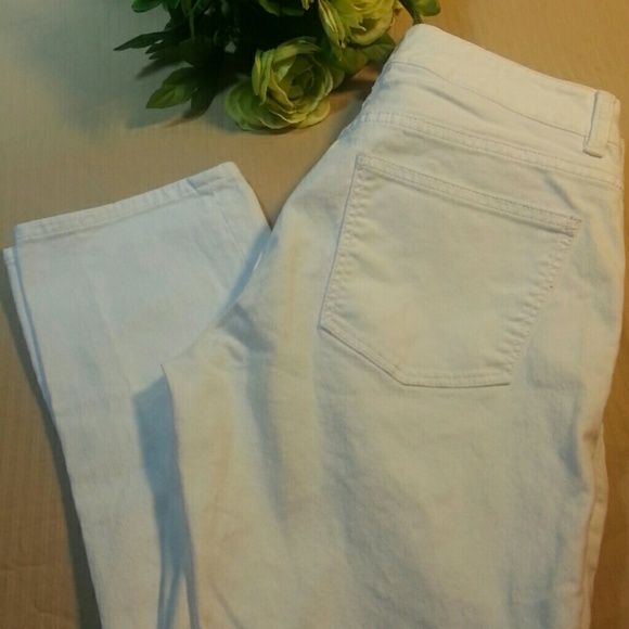 Crisp white skinny jeans You will love these. Just one small yellowish stain near beltloop. I can not get it out!  Barely noticed. See pic. Talbots Jeans Skinny