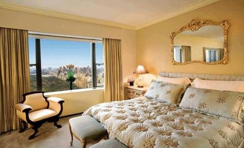 Pure Elegance With Views Of The Central Park And New York