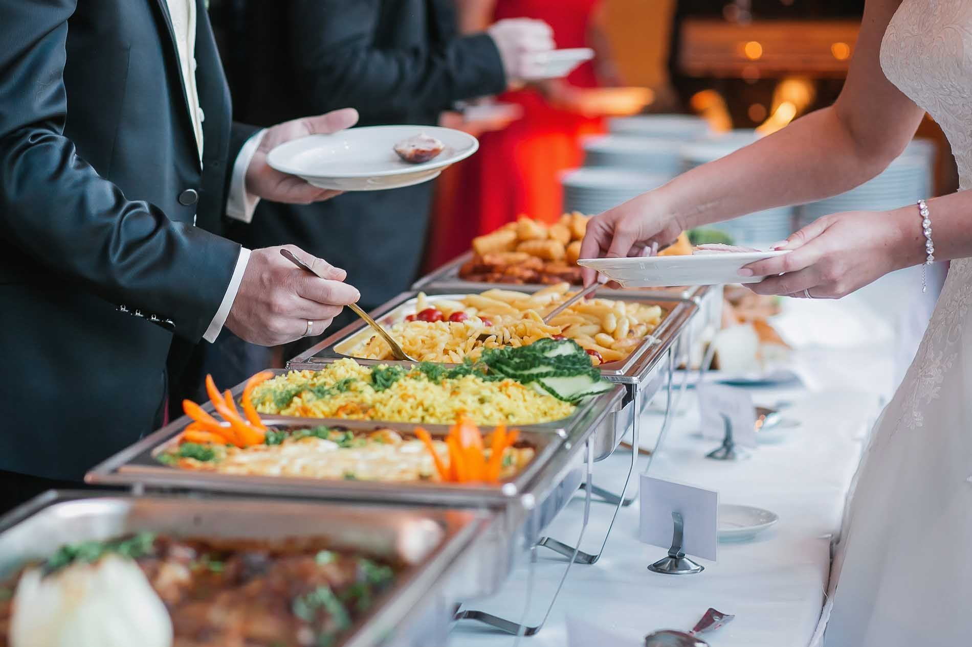 Ayesha S Cuisine Providing Best Catering Service In Karachi In Really Affordable Price So Dont Go Any Where W In 2020 Wedding Buffet Food Buffet Food Party Food Buffet