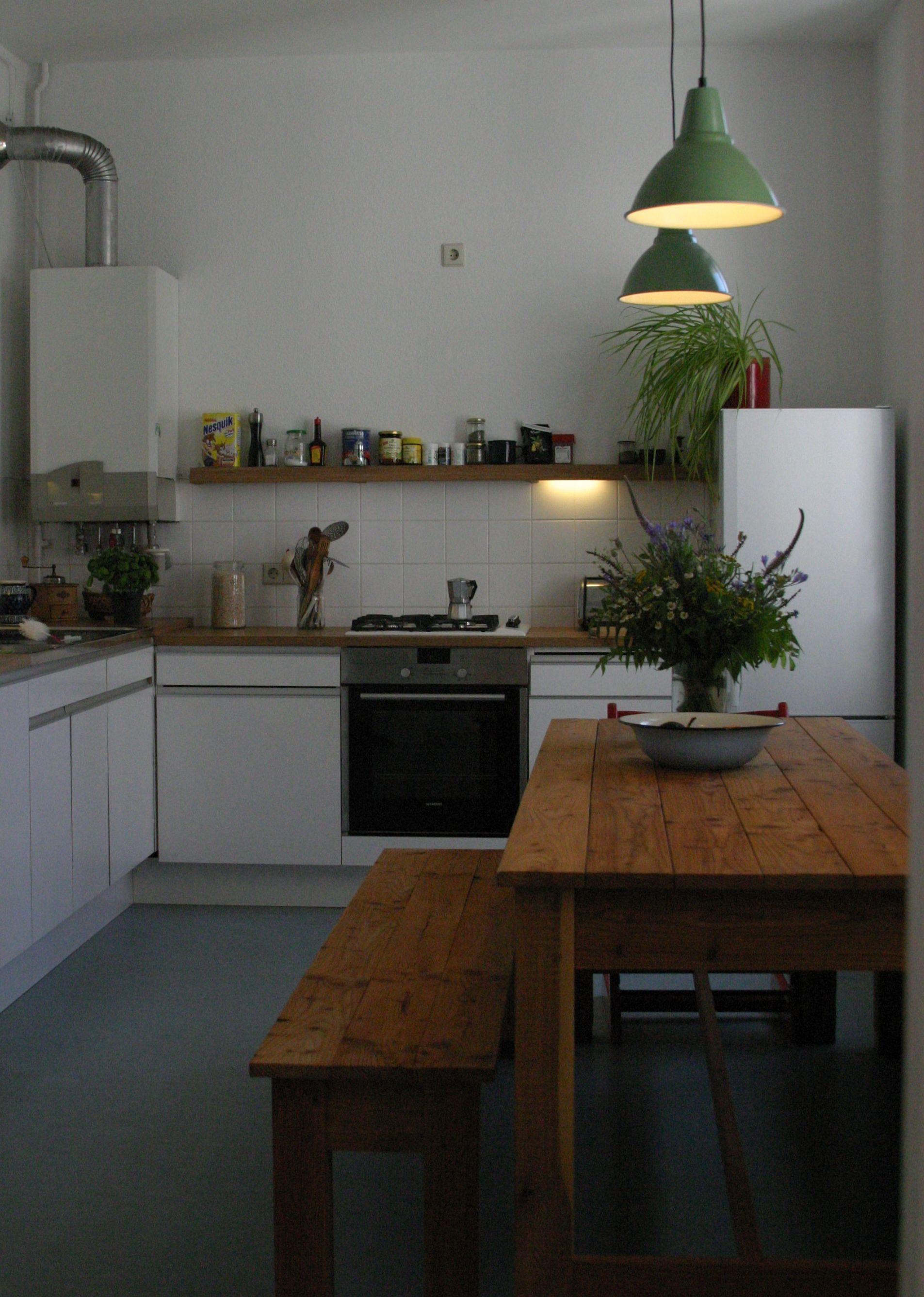 www.neuberga.com #bankKARL und #tischUNO im Kücheneinsatz - eine ...