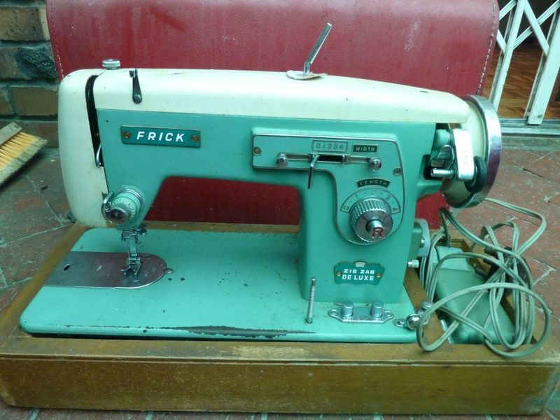 Frick Looks Like The Spool Holder Is Bent Sewing Machine Pr40n Fascinating Spool Holder For Brother Sewing Machine