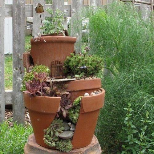 kreativer minigarten 16 originelle baselideen aus alten blument pfen miniature garden ideen. Black Bedroom Furniture Sets. Home Design Ideas