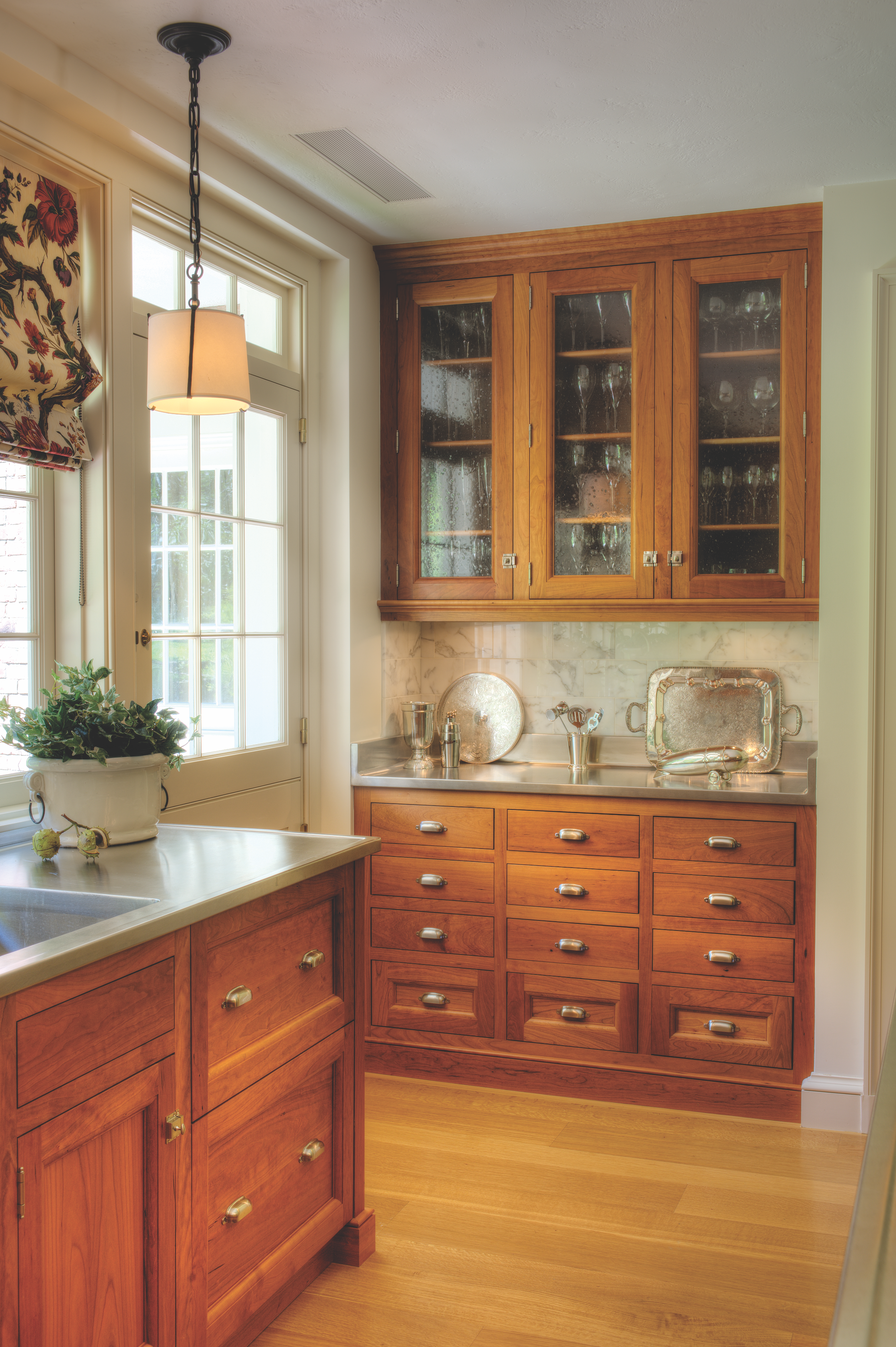 Custom Kitchen Cabinets In 2020 Custom Kitchen Cabinets Small Cottage Kitchen Dining Room Small