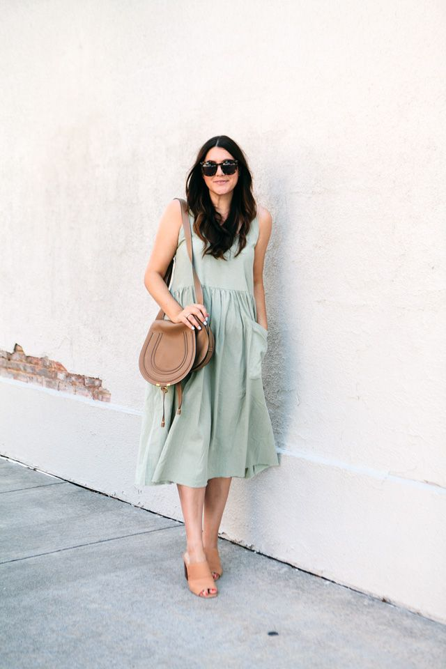 Having a Moment: Sage Green #sagegreendress